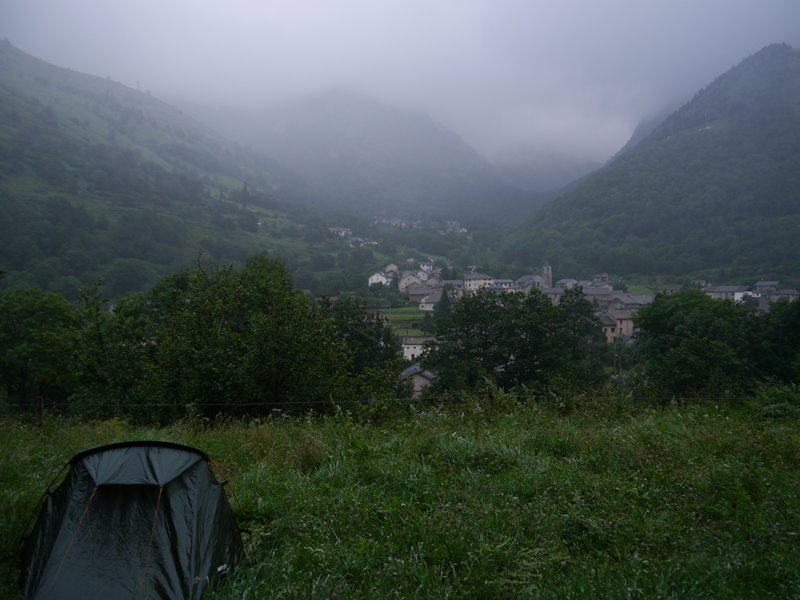 Camping in the rain at Merens-les-Vales