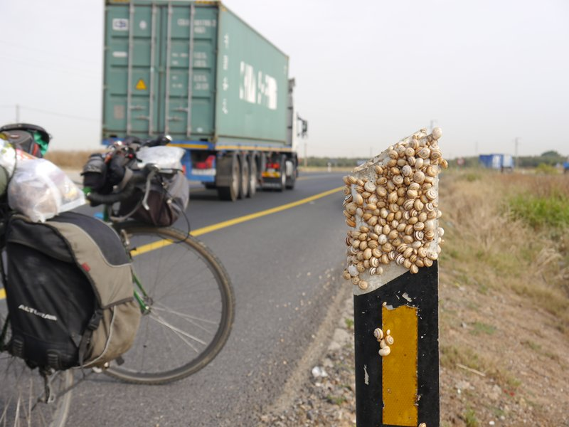 a wide road in spain where it's possible to overtake cyclists safely