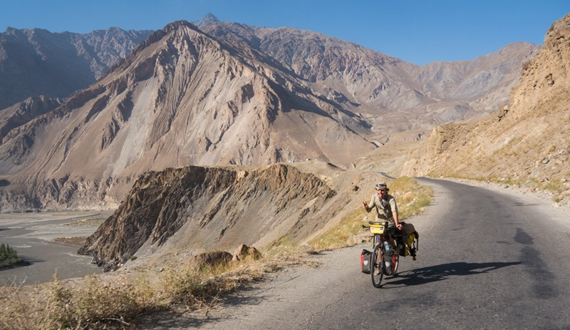 Cycling down the Afghan border next to the river Panj