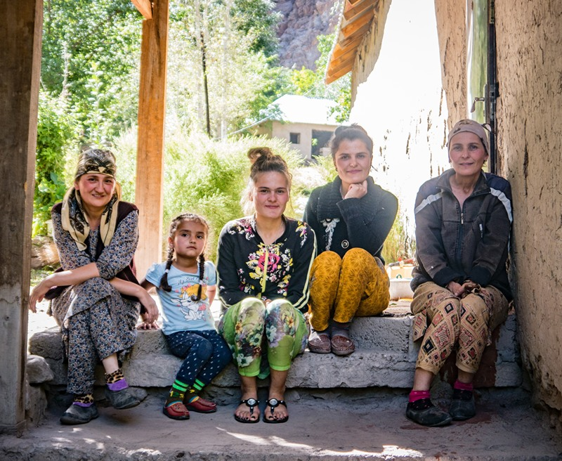 A picture of a family in the Bartang valley