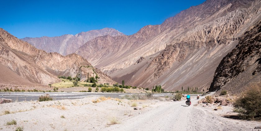 Cycling up the Bartang Valley
